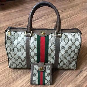 💯 % Authentic Gucci Boston + wallet